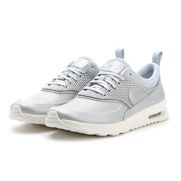 c1f2394b51 Nike Air Max Thea Metallic Platinum Leather. M_5aaee17e8af1c50aece5cbe4